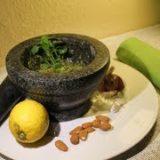 Basilikumpesto Rezept mit Mandeln